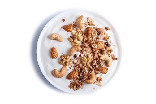 Jogurt z oreščki